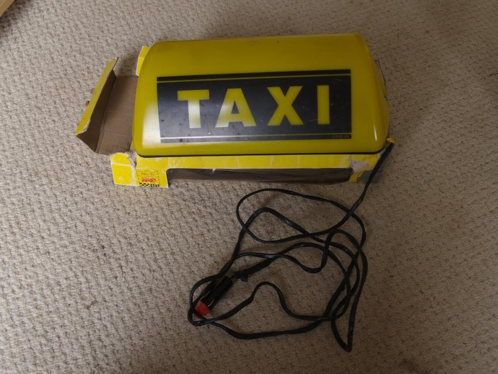 taxi sign  P9084035