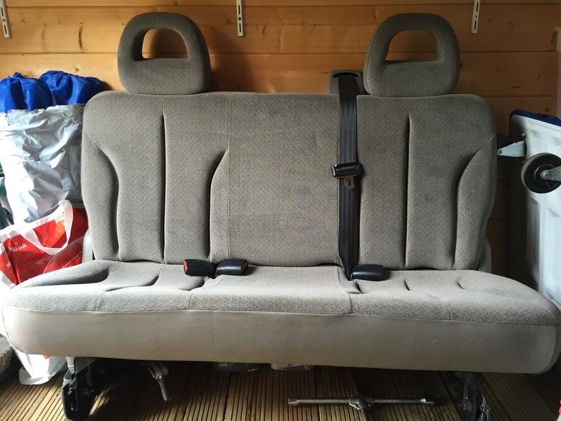 Un siège, une banquette, un cache bagages pour S4 phase 1 se luxe 2003 3687BB0A-0157-404B-84A1-B2B91D513A8F_zpszalrfngx