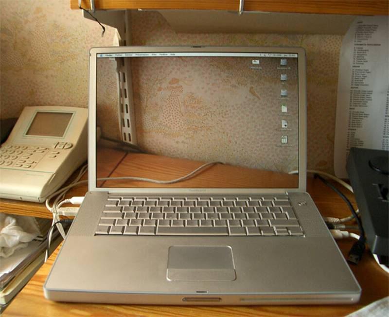 آخر أختراعات اليابان ..... اللاب توب الشفاف Fa9668a441