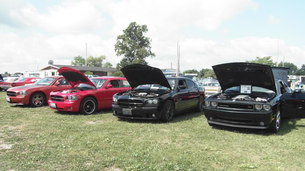 PICTURES: Mopar AMC Event - Great Lakes Dragway SDC11411