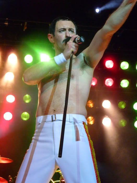 and another tribute band.... Queen3