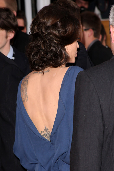Angelina Jolie / ანჯელინა ჯოლი - Page 2 F9674ec7590e83259d3ae105fbb2a7dc