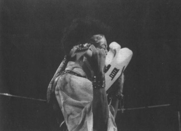 Londres (Royal Albert Hall) : 24 février 1969 - Page 2 A8a5cf61dfacdbd296a6bb808ddff4d3