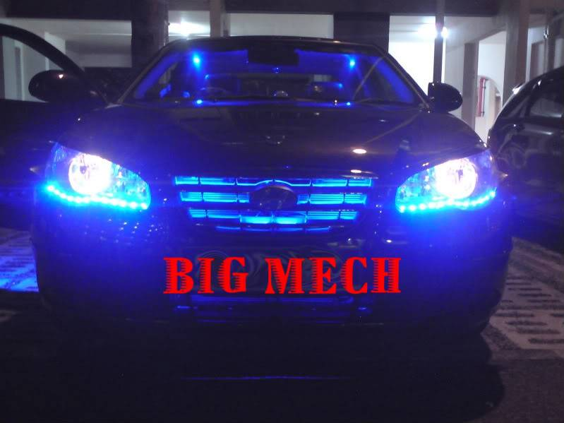 Big Mech illusionist futuristic magic hands led concept DSC00753