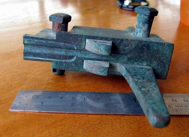 Universal standard Crossbow nut Nvomeca02_164_zps641ab85f