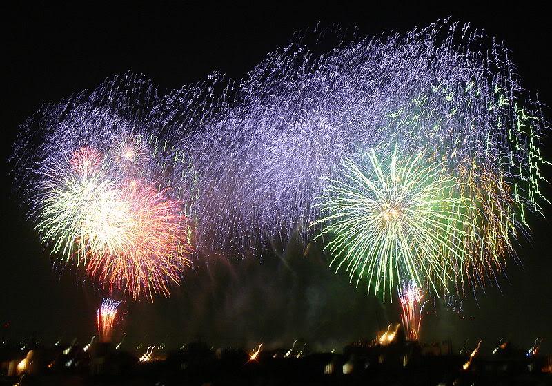 [Đời sống - Văn hóa] Các lễ hội tại Nhật 800px-Hanabi_in_Adachi-ku1