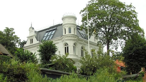 Villa der grünen Drachen Villa-480x270