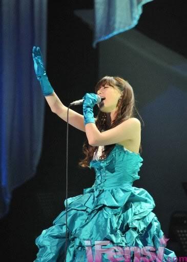 [Article] alan's Shocking Concert in Tokyo, Hamasaki Ayumi and Koda Kumi Send Their Support  C265