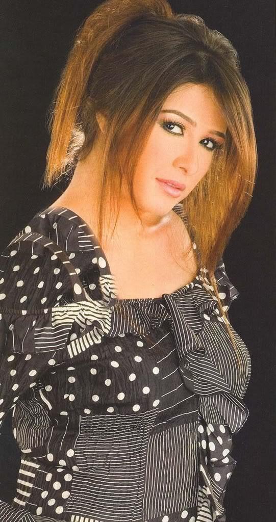 تم اضافه الجزء الثانى من صور الفنانه ياسمين عبدالعزيز Yasmine3