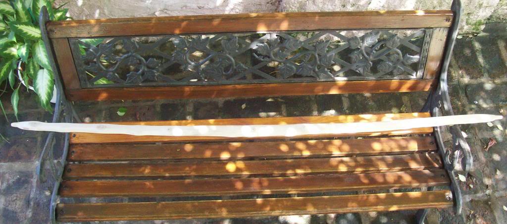 Arco primitivo de fresno B9f5f6e1-57fe-48e0-877f-a01333bc6133_zpsbd4022f9
