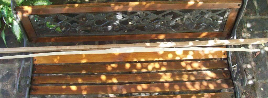 Arco primitivo de fresno Dde0194c-1f8a-4847-99ac-a4e9aabc5ddb_zps4e2bbc35