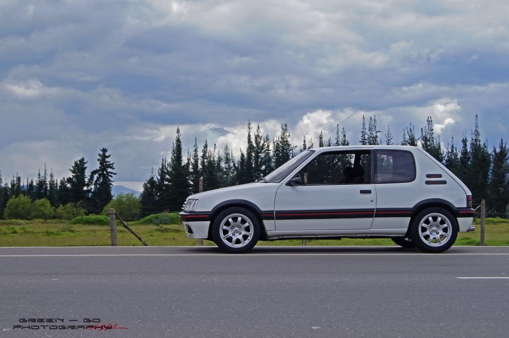 [Mercurio] 205 GTI 1.6 1992, Blanc Meije a Bogotá, Colombie - Page 4 DSC05994