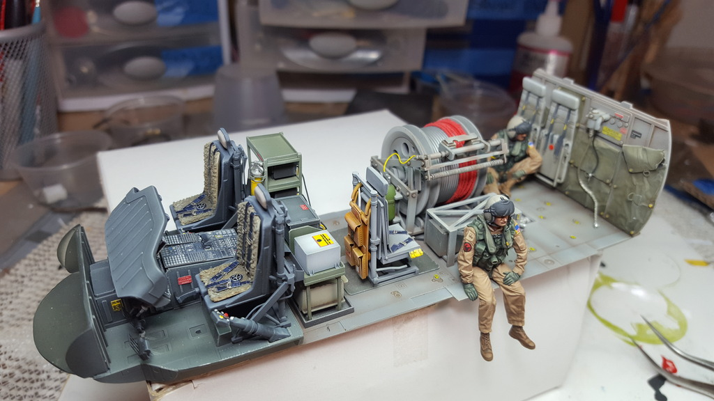 Seahawk helicopter Academy 1/35  diorama. - Page 3 20180411_161855_zpsmv6f63m7