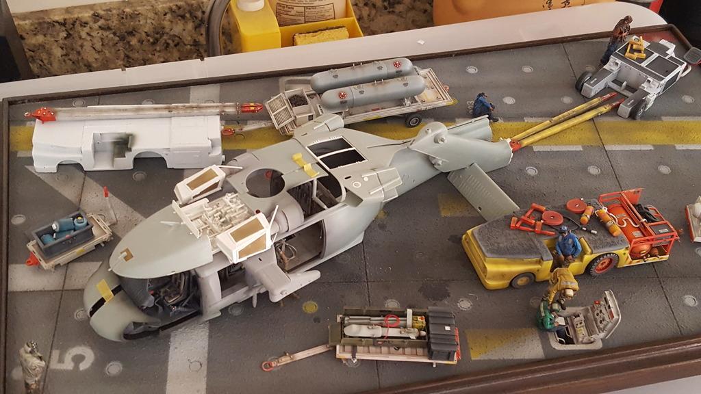 Seahawk helicopter Academy 1/35  diorama. - Page 3 20180528_161814_zpsw2ma9jta