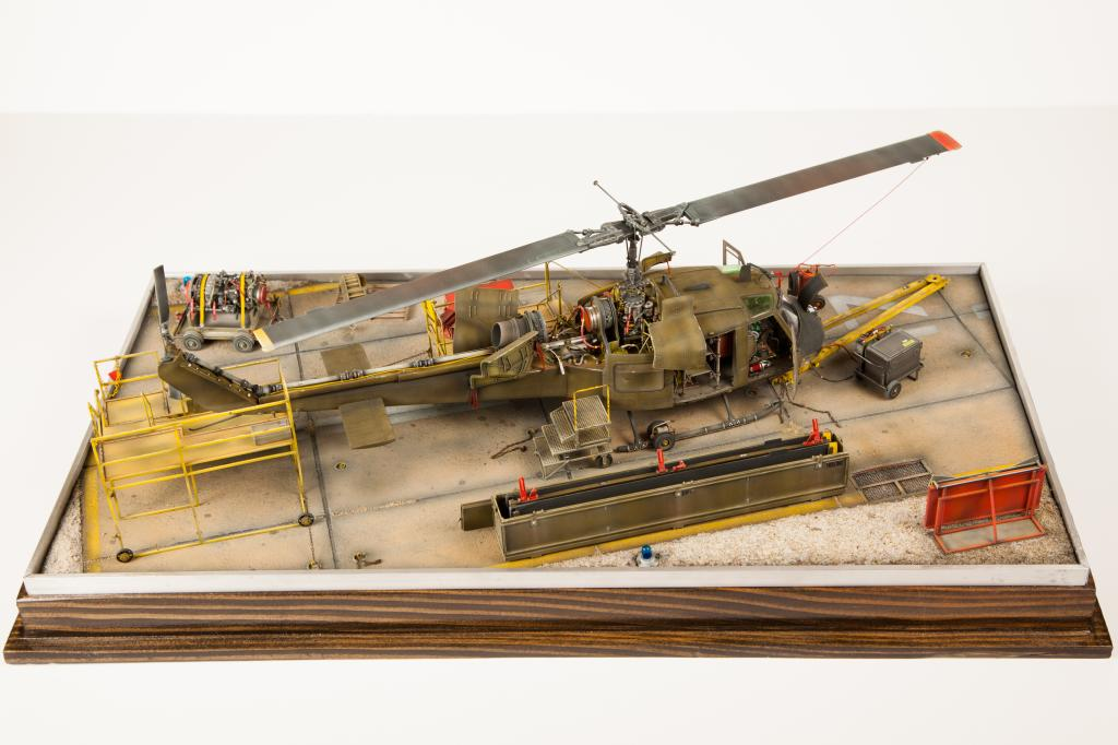 Seahawk helicopter Academy 1/35  diorama. Huey-34_zpsc9b2b88a