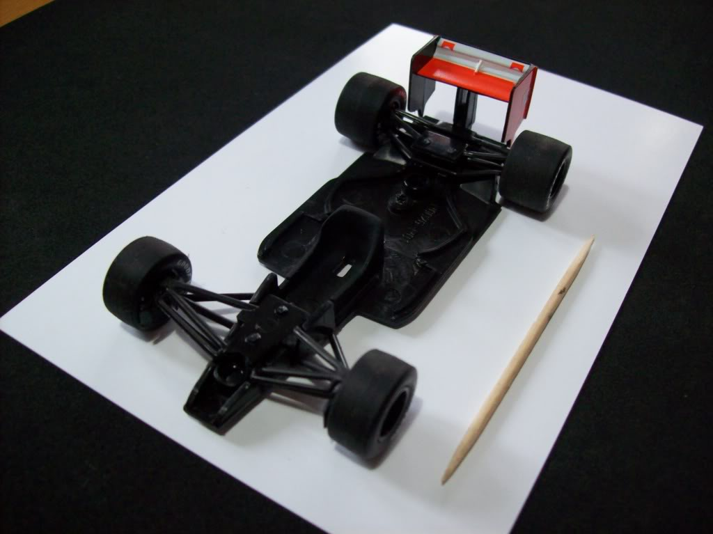 Extrayendo pilotos de réplicas F1 escala 1/43 - Página 4 2012012