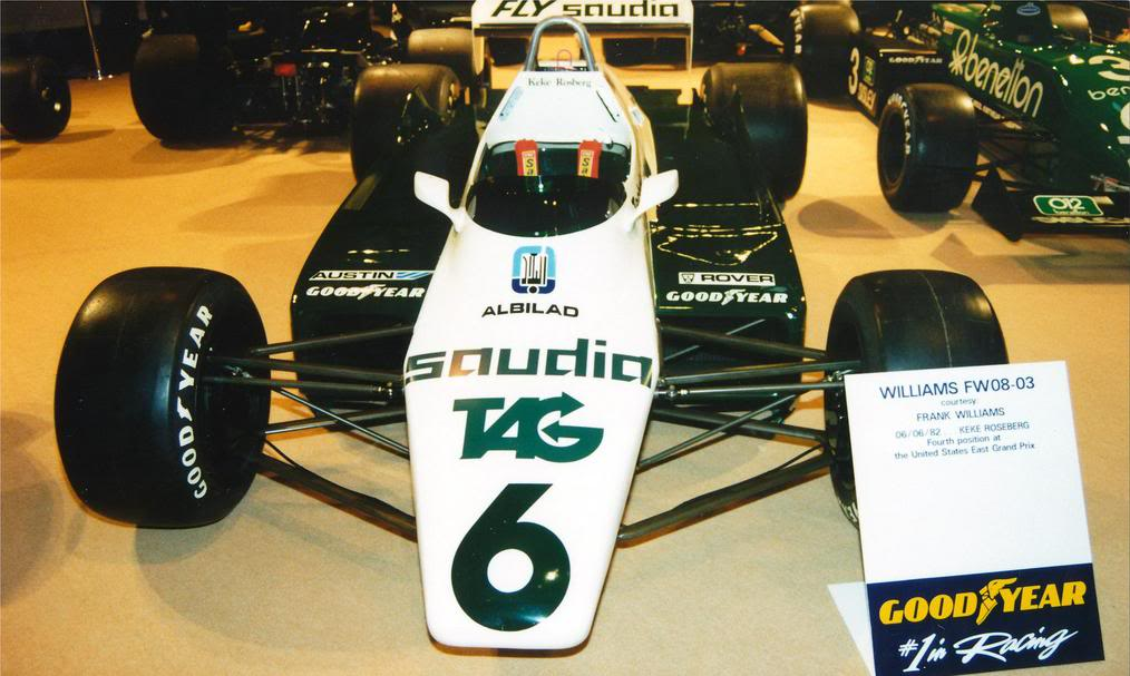 Extrayendo pilotos de réplicas F1 escala 1/43 Keke000