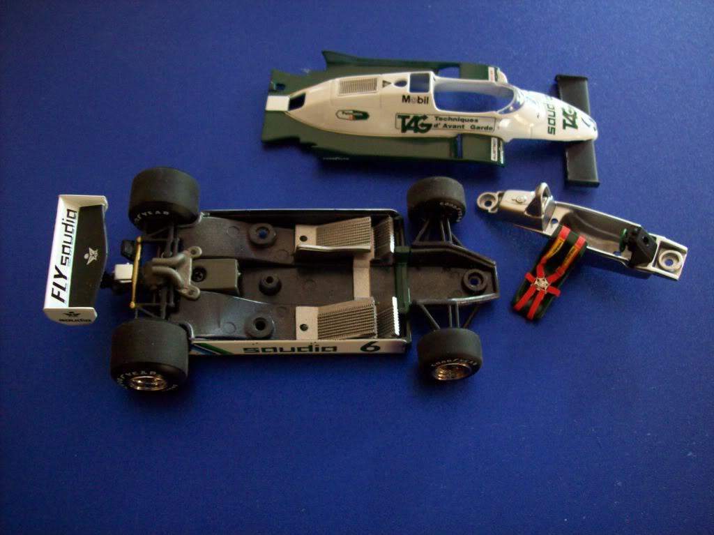 Extrayendo pilotos de réplicas F1 escala 1/43 Keke4003