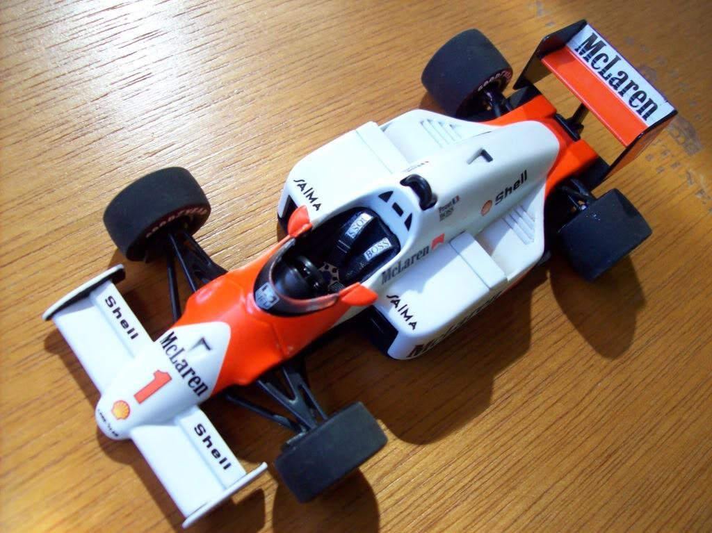 Extrayendo pilotos de réplicas F1 escala 1/43 Prost1003