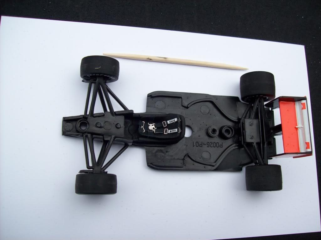 Extrayendo pilotos de réplicas F1 escala 1/43 - Página 4 Terminado008-1