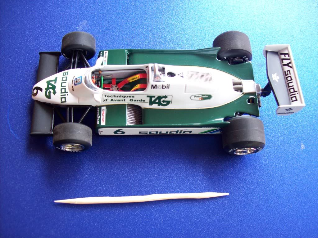 Extrayendo pilotos de réplicas F1 escala 1/43 Williamns1982013