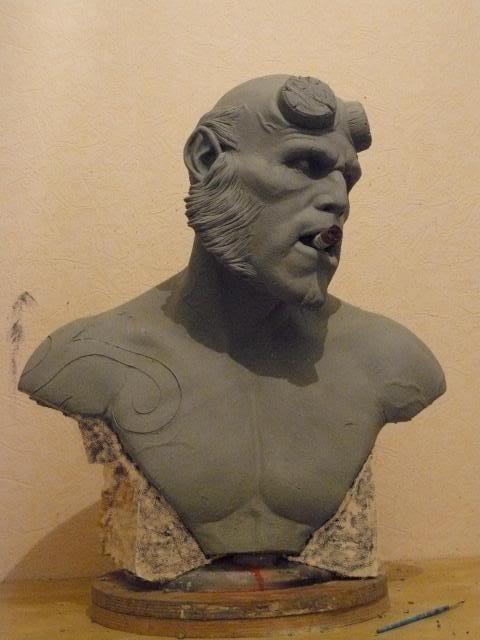 Hellboy buste 1/1 pour swisscollectors.ch  (peinture finale page 6) - Page 3 Paules002
