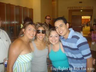 Posing with fans in Las Vegas Aaaaaaaaaaaaaa33333333333333222