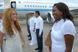 Shakira arrived in Leticia with President Alvaro Uribe Normal_0011-2
