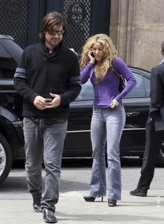 Shakira and Antonio in Paris Normal_0041
