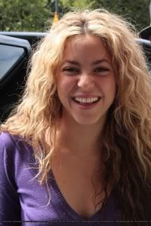 Shakira and Antonio in Paris Normal_171179_4401
