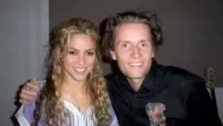Shakira with Toby Gad at a recording studio Normal_shaks11