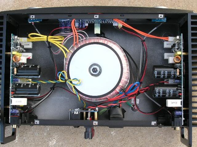 Advance Acoustics MAA 406 - un bruto nella mia catena - Pagina 5 Behringer_A500-1
