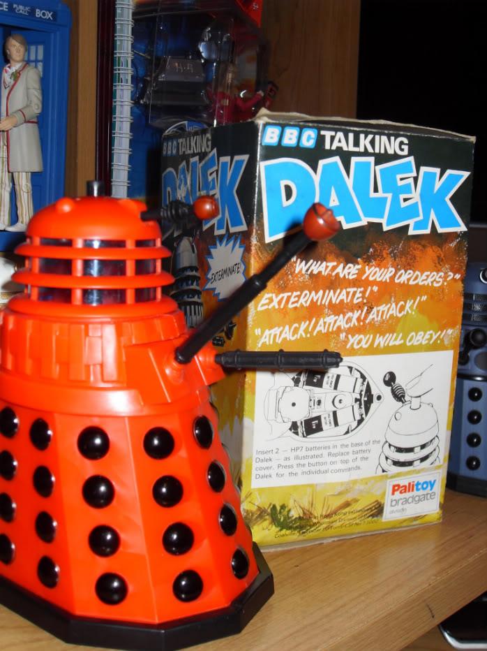 "1975 Palitoy ""Talking Dalek"" + Video SDC10476-1"
