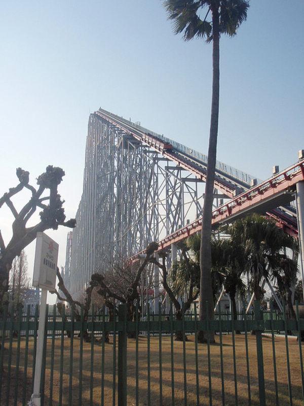 [Tin tức][Đời sống - Văn hóa] 13 nơi tệ nhất ở Nhật Bản khi động đất lớn Steel-dragon-coaster-569