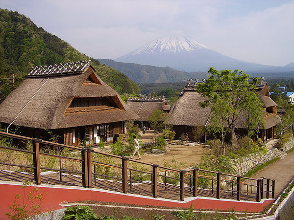 [Du lịch] 9 địa điểm ngắm núi Phú Sĩ đẹp nhất Iyashi-no-Sato-1030