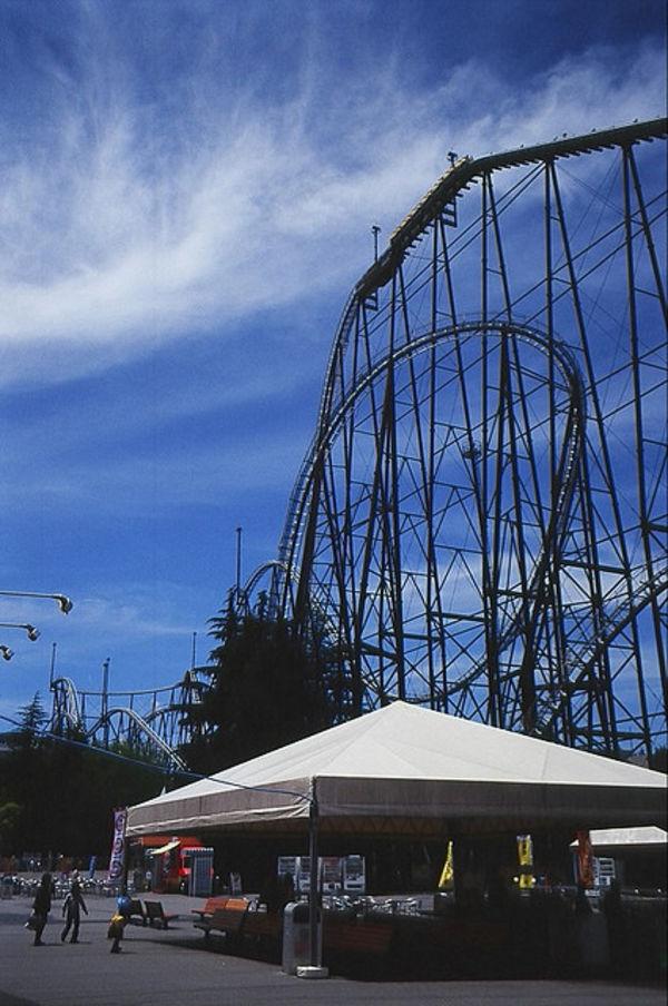 [Du lịch] 9 địa điểm ngắm núi Phú Sĩ đẹp nhất Drops-and-loops-1030
