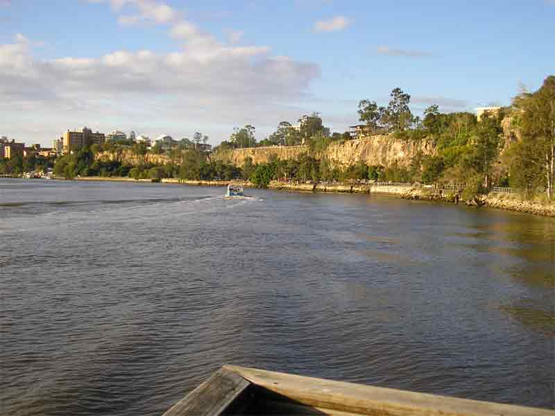 Brisbane city cliffs(rock climbing) Bris-2
