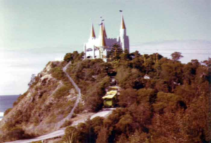 Magic mountain on the gold coast Magic-mountain