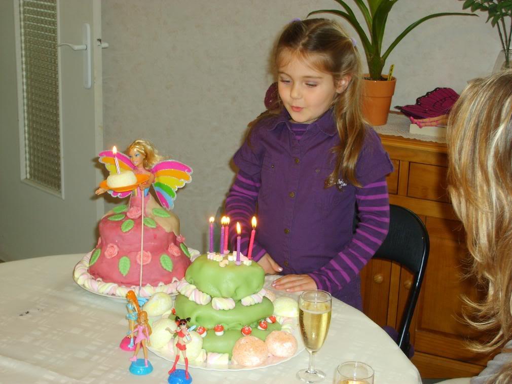 fées avec ou sans poupée et princesses SANS POUPEEE 5ANS35