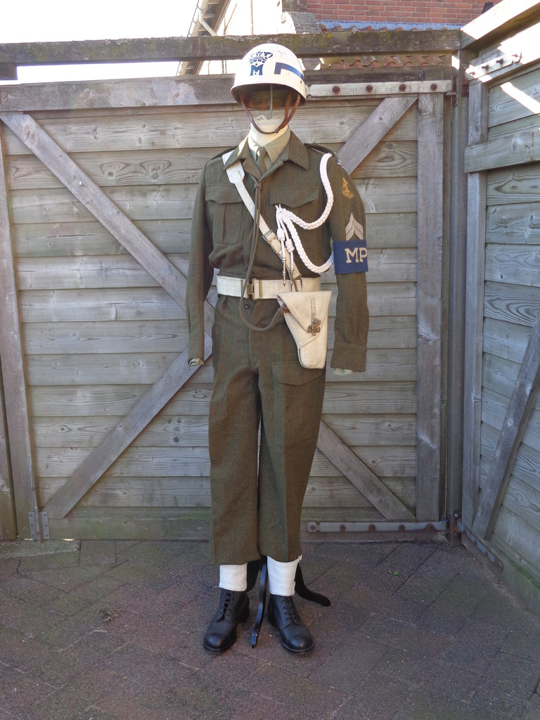 Dutch army loadout displays (cold war era) Nederland%201950s%20MP
