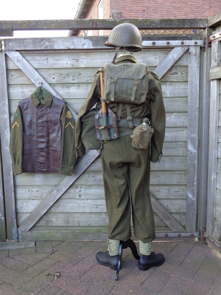 Dutch army loadout displays (cold war era) Nederland%201950s2