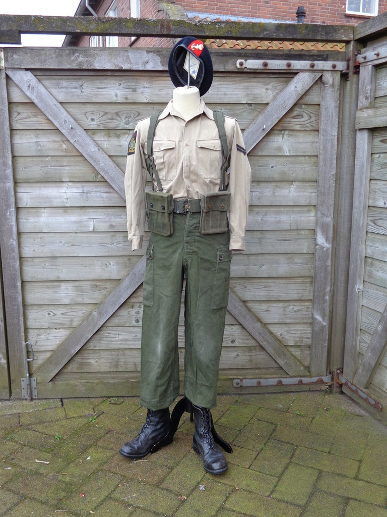 Dutch army loadout displays (cold war era) Nederland%201974%20-%20vroege%201980s%20Marinier