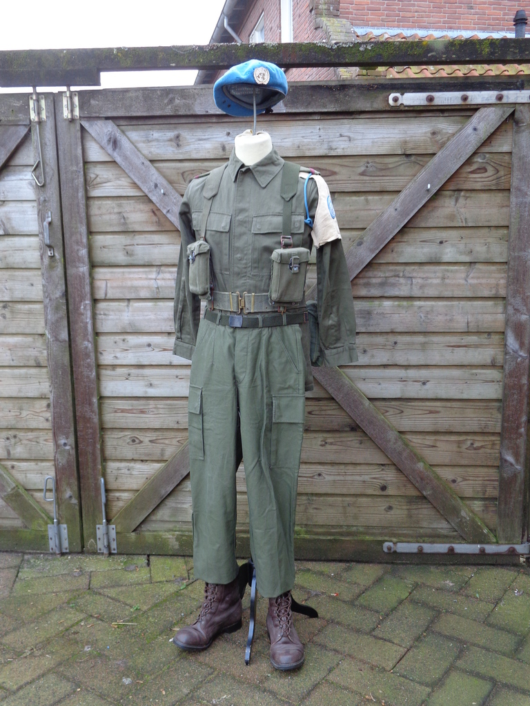 Dutch army loadout displays (cold war era) Nederland%201978%20-%20vroege%201980s%20UNIFIL
