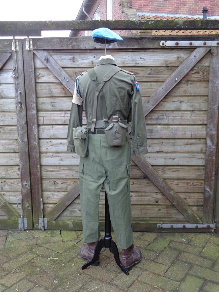 Dutch army loadout displays (cold war era) Nederland%201978%20-%20vroege%201980s%20UNIFIL2