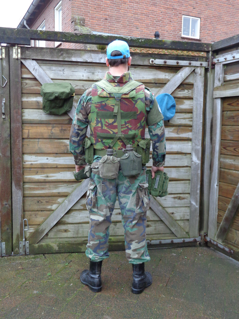 Dutch army loadout displays (cold war era) Nederland%201992%20-%201993%20Marinier%20UNTAC2