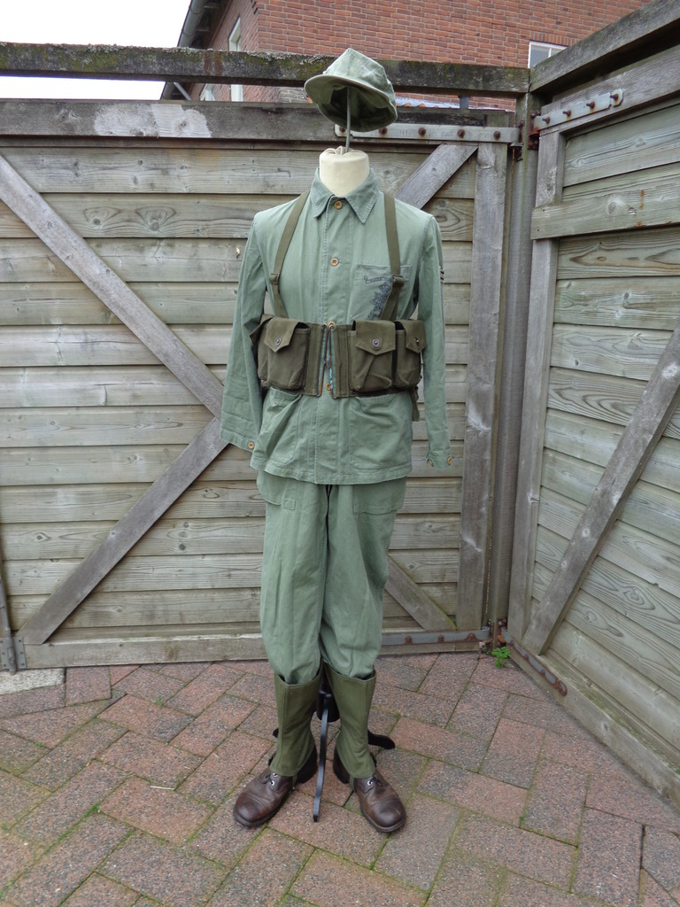 Dutch army loadout displays (cold war era) Nederland%20jaren%2060%20Marinier%20Guinea