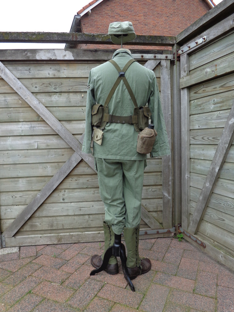 Dutch army loadout displays (cold war era) Nederland%20jaren%2060%20Marinier%20Guinea2