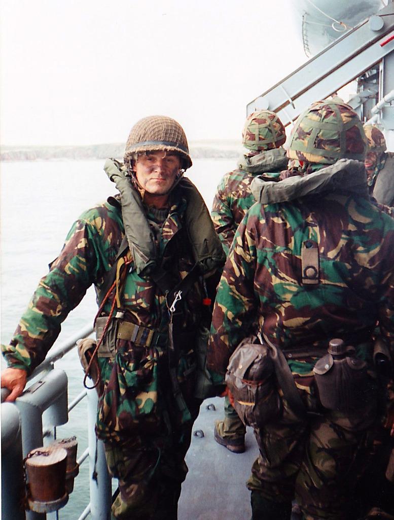 Korps Mariniers Webbing - Page 2 Oef_002_1994_Oefening_Rolling_Deep_Wales_IMG_0062