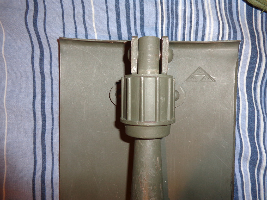 Danish shovel with cover, very late type of the M45-50 / 59? DSC02877