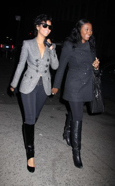 Spotted ... (Candids) - Page 4 Rihanna-birthday3